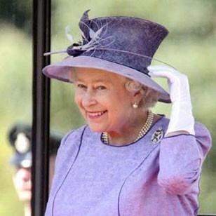 Королева Великобритании попала в рейтинг самых стильных людей мира