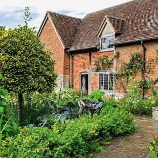 Сад Уильяма Шекспира открылся для посетителей