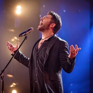 Алексей Чумаков даст концерт в «Крокусе»