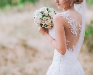 5 вариантов коротких свадебных платьев