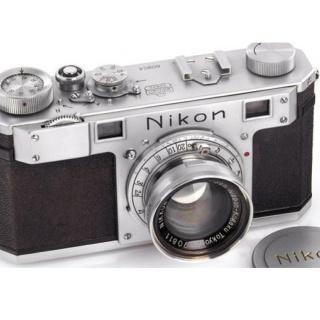 Самая старая из сохранившихся фотокамер Nikon ушла с молотка