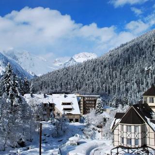 Сезон катания на горнолыжном курорте Домбай откроется 1 декабря