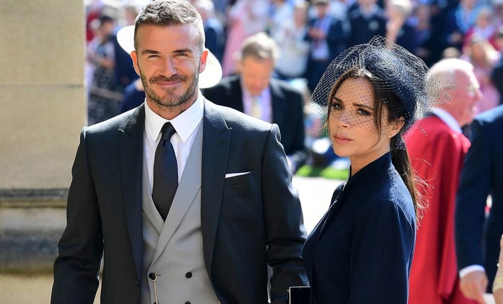 Дэвид и Виктория Бекхэм выставили на аукцион свои наряды со свадьбы принца Гарри и Меган Маркл - Радио Romantika